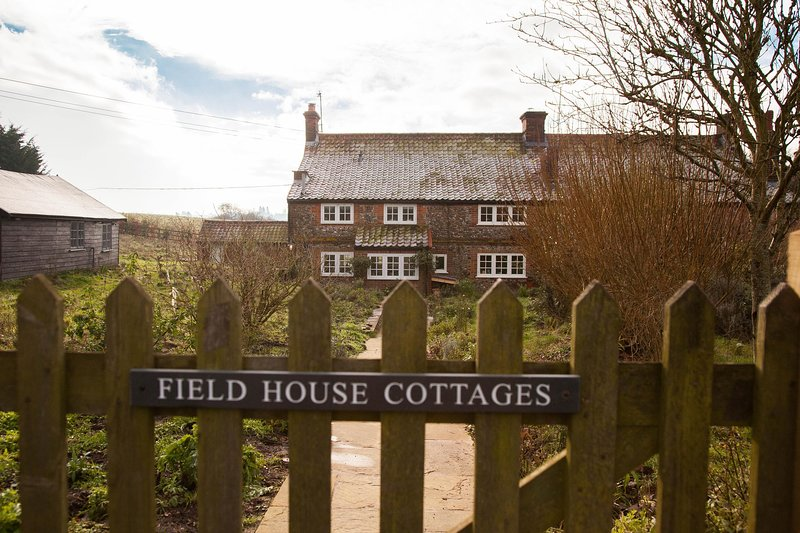 Field House Cottage, holiday rental in Field Dalling