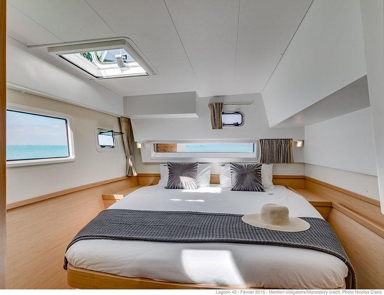 Dioni a Catamaran 42 (2019), holiday rental in Mytikas