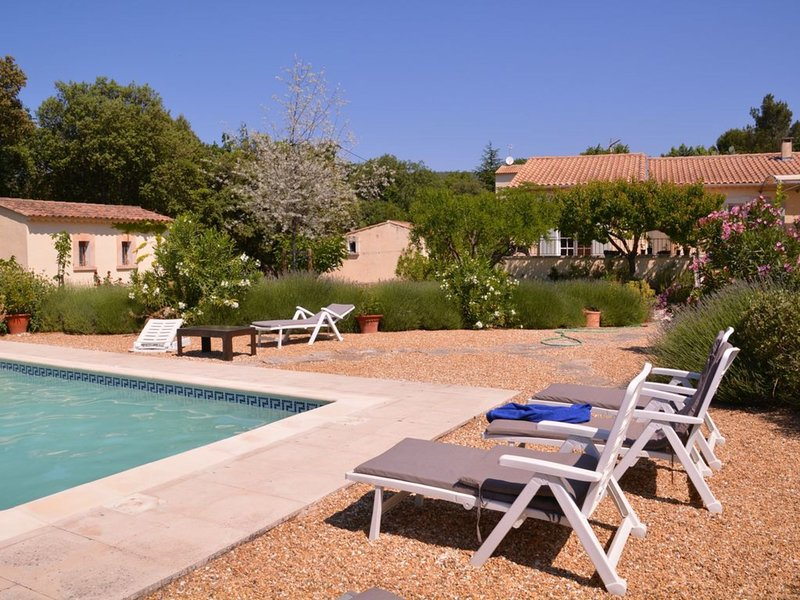 Ideal Studio - Guaranteed exceptional moments, holiday rental in Cabrieres-d'Avignon
