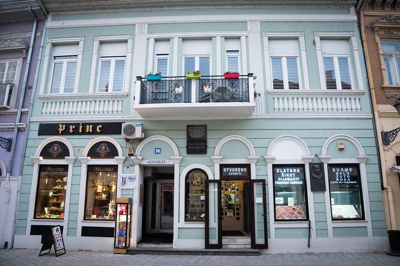 Apartmani Castello Centar Novi Sad, vacation rental in Novi Sad