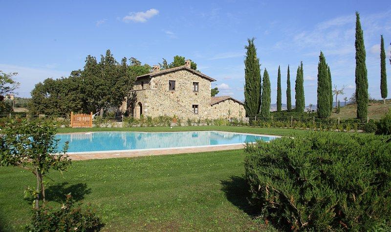 La Tana del Bianconiglio - App. Olivo, holiday rental in Gallina