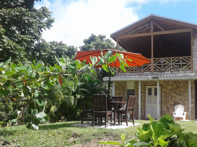 ScottGullyEcoLodge Private Cozy Romantic Get Away/Near Attractions/Very Quiet, aluguéis de temporada em Guinea