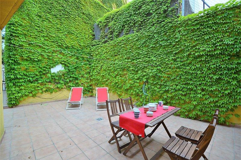 La Heura, holiday rental in Vilacolum