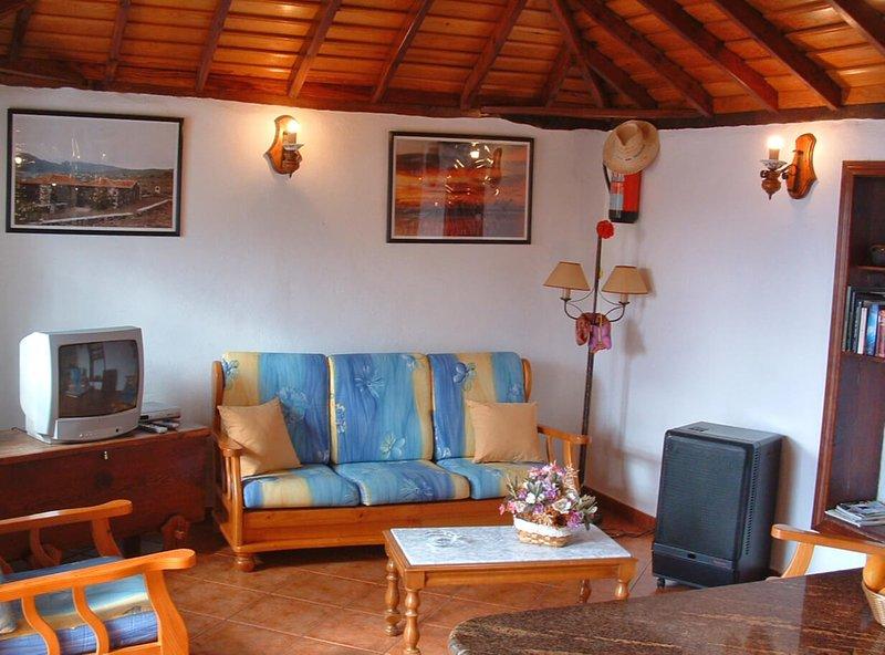 House - 3 Bedrooms - 106870, location de vacances à Todoque