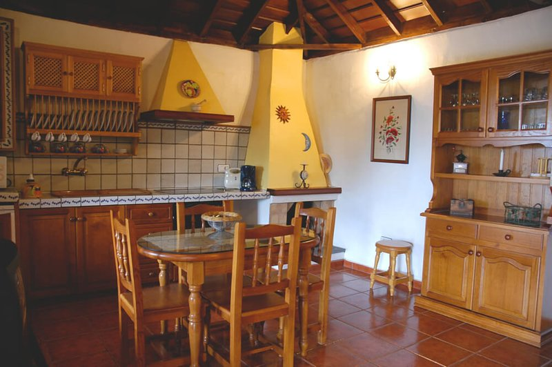 House - 2 Bedrooms - 106862, vacation rental in La Rosa