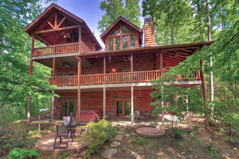 An unforgettable Blue Ridge Mountain getaway awaits in Mineral Bluff!