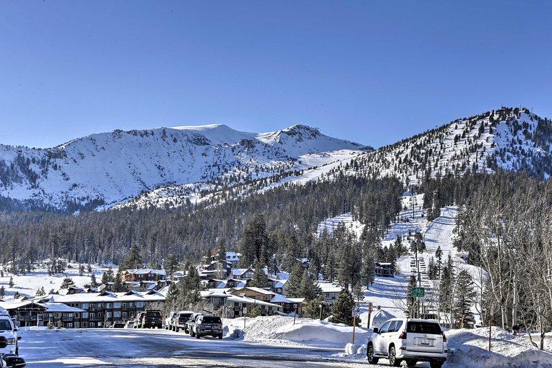 Mammoth Mountain Ski Condo w/Resort Amenities Chalet in Mammoth Lakes