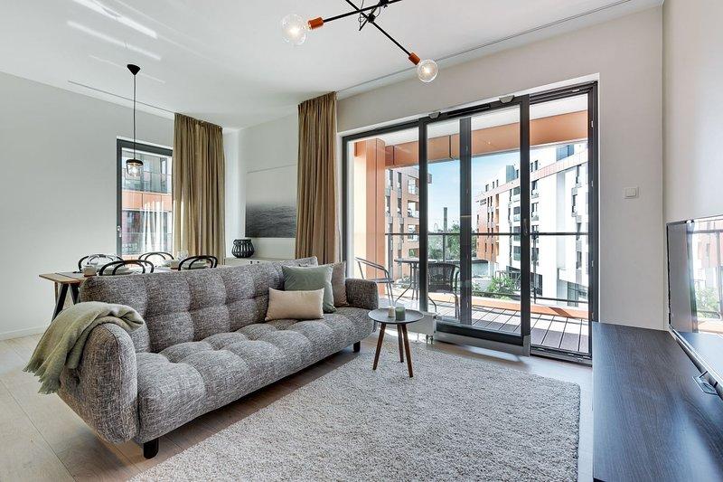 C45 with Balcony - Blue Mandarin Apartments, holiday rental in Jantar