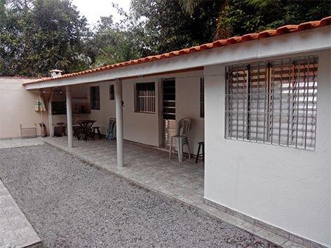 Chalés Boraceia Duda si trova sulla costa nord di SÃO PAULO, a 200 metri dalla spiaggia e dai negozi locali.