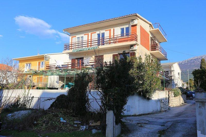 Three bedroom apartment Kaštel Stari, Kaštela (A-16344-a), alquiler de vacaciones en Kastel Stari