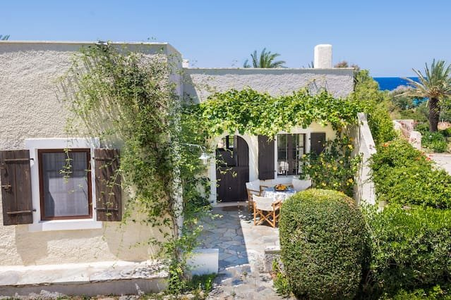 Jasmine house in Crete, location de vacances à Siteia