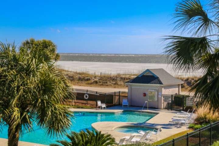 Willkommen beim Flip Flop Fun! Gehen Sie baden oder spazieren Sie an diesem weißen Sandstrand! Deine Wahl!