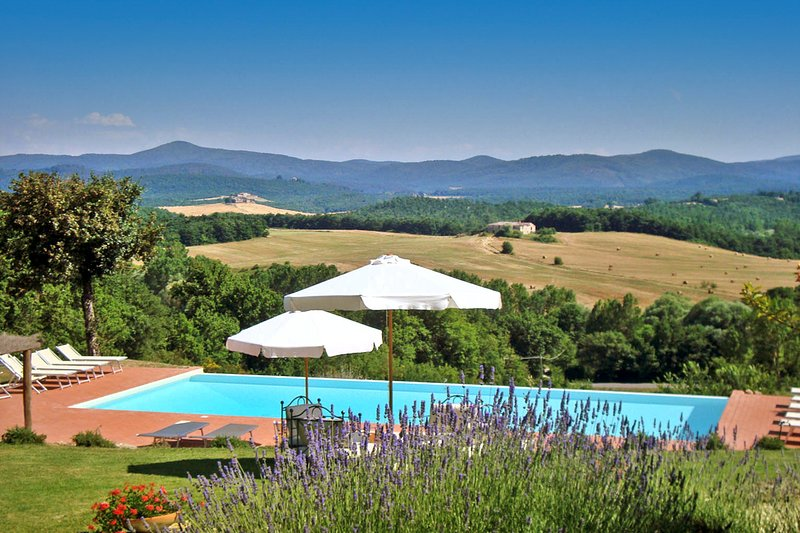 Ticchiano Villa Sleeps 20 with Pool - 5049073, alquiler de vacaciones en Montalcinello