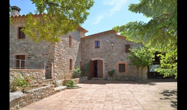Ginestar Villa Sleeps 12 with Pool - 5623079, holiday rental in Sant Esteve de Llemena