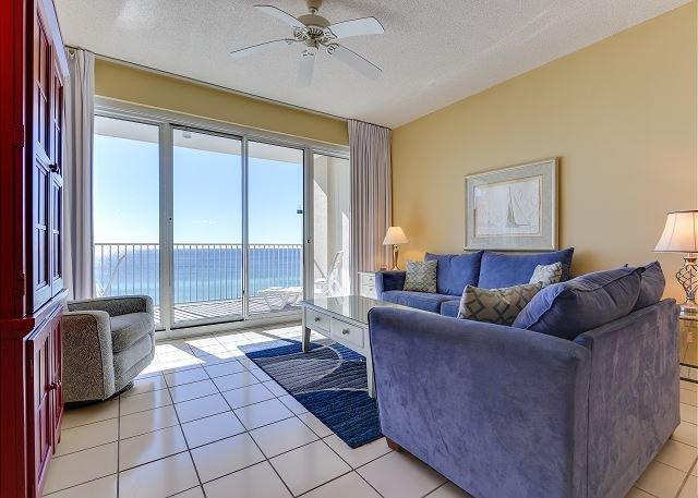 Tides 804 ~ 2BR w/bunkbeds ~ beachfront ~ 2 pools, hot tub, beach bar & grill, vacation rental in Miramar Beach