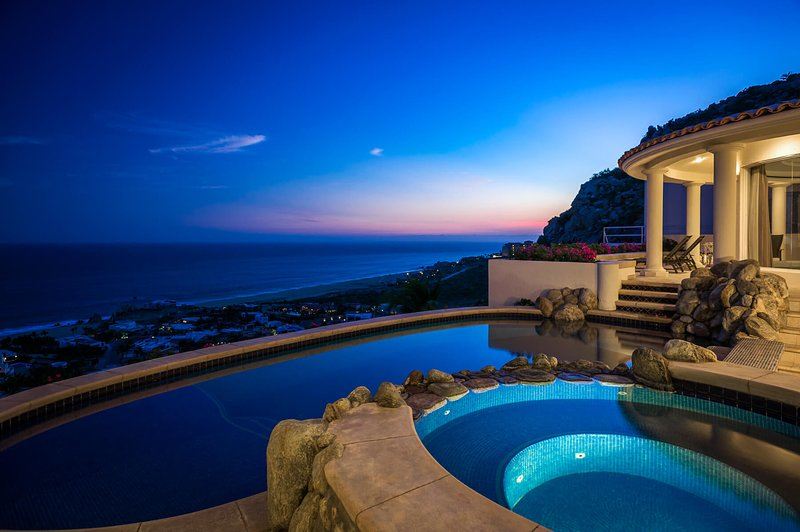 Spend your next Cabo vacation at Villa Thunderbird!