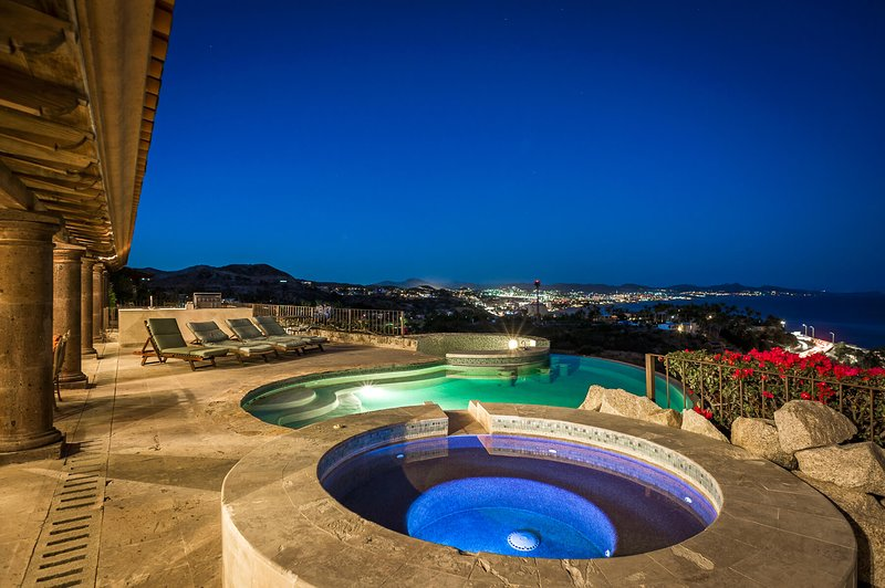 Take in the stunning view of the surrounding Cabo Corridor and the Sea of Cortez!