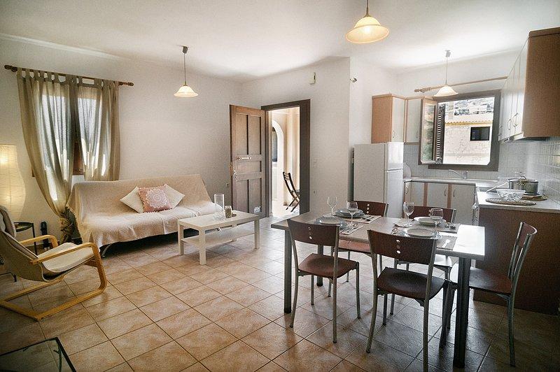 Olive green house (maisonette) Agia Pelagia,Crete, location de vacances à Mononaftis