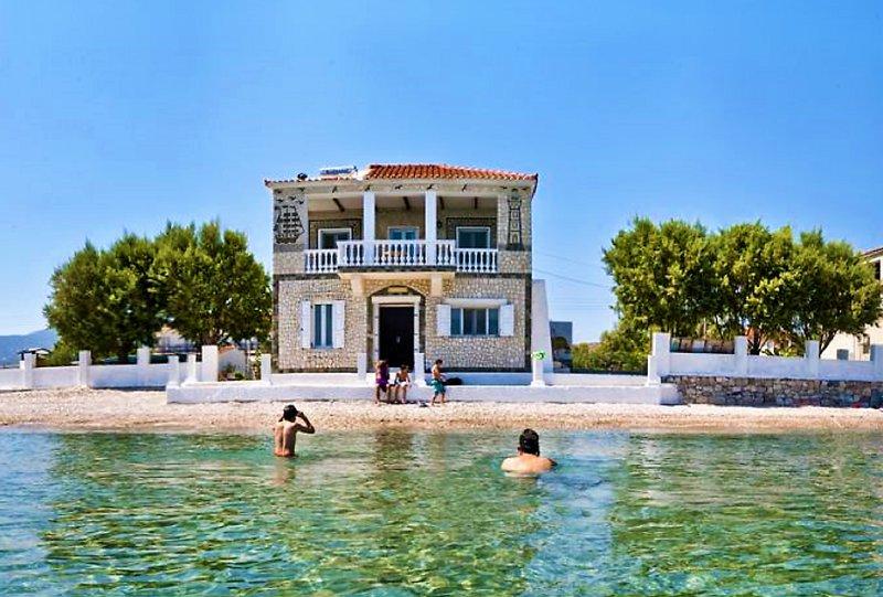 Potokaki Seaside Villa, holiday rental in Ireon