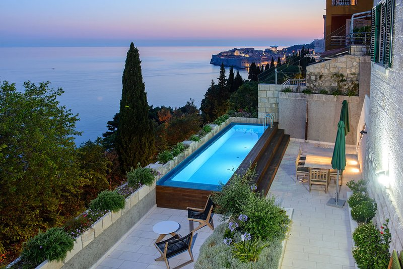 Luxury Residence Queen of Dubrovnik with Swimming Pool, vacation rental in Dubrovnik