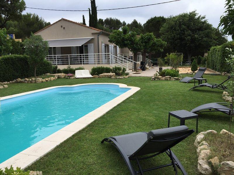 Belle maison avec piscine privée proche Aix en Procence, vacation rental in Bouc-Bel-Air