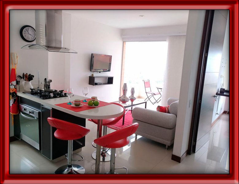 LUXURIOUS APARTMENT SURROUNDINGS CHIPICHAPE SHOPPING (1005), holiday rental in Valle del Cauca Department
