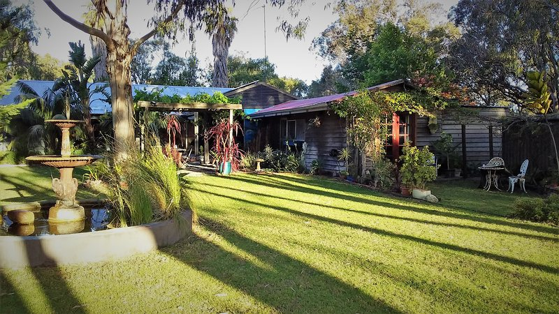 Rustic Paradiso is a very special romantic cottage for two in amongst nature, vacation rental in Margaret River Region