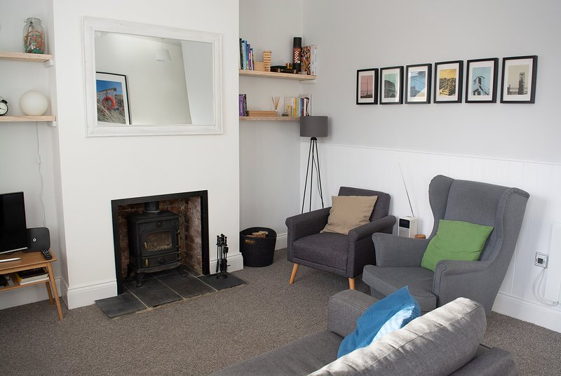 Old Salt Cottage (dog friendly, free wifi), holiday rental in Seahouses