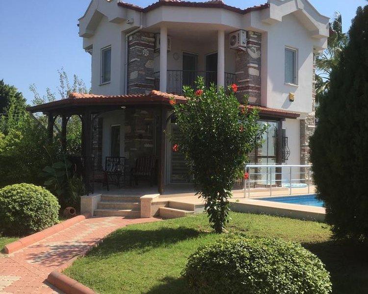 Lovely 2 Bedroom Detached Villa With Pool, alquiler vacacional en Okcular