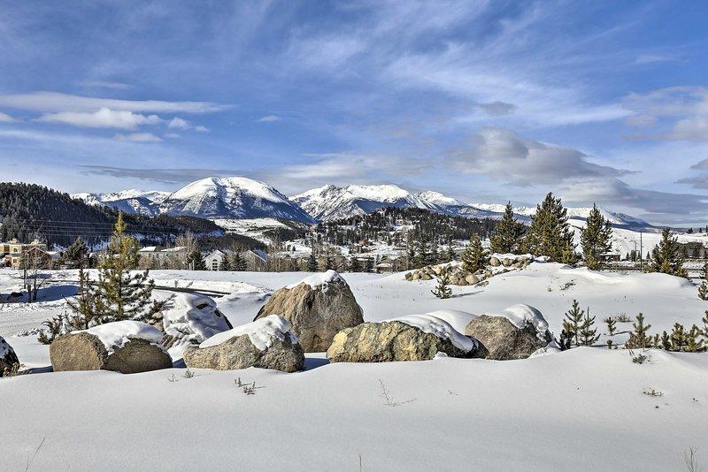 Profitez d'un accès facile aux nombreuses stations de ski environnantes!