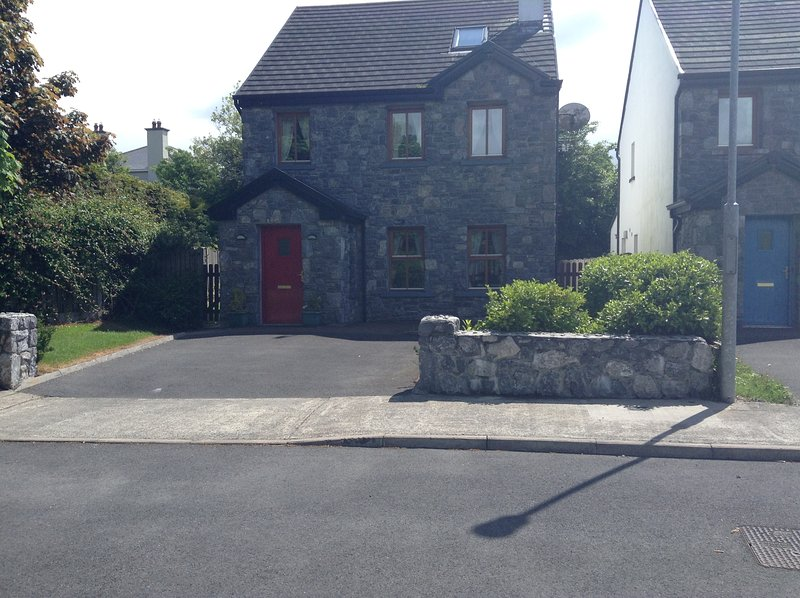 Burrendale House , Gort road, Kinvara ,Co. Galway, vacation rental in Kilchreest