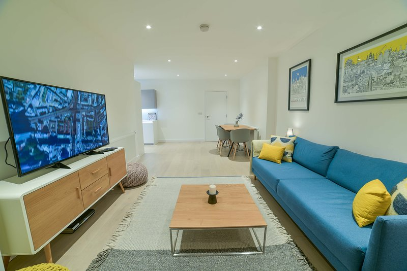 Superhost's Luxury 3-Bedroom London Flat, casa vacanza a Colindale