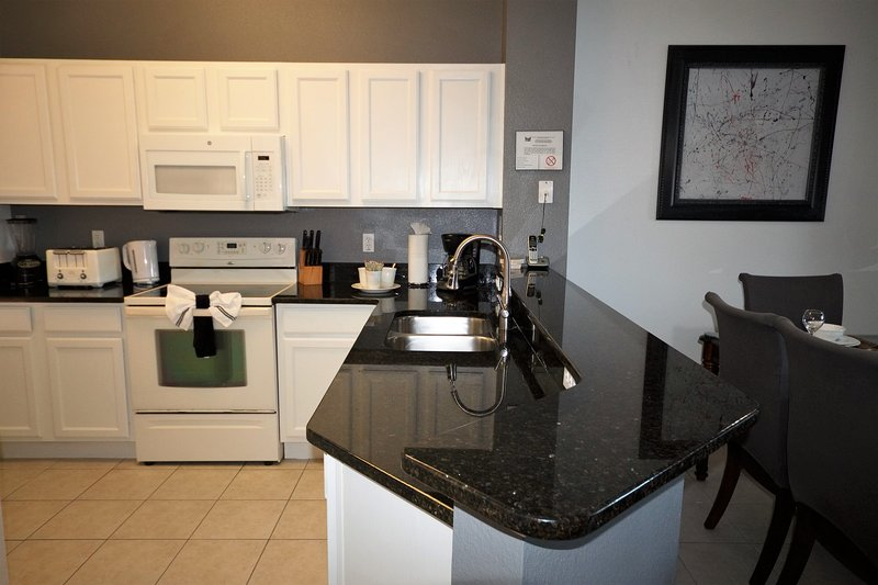 Newly upgraded kitchen with full service for 10 guests