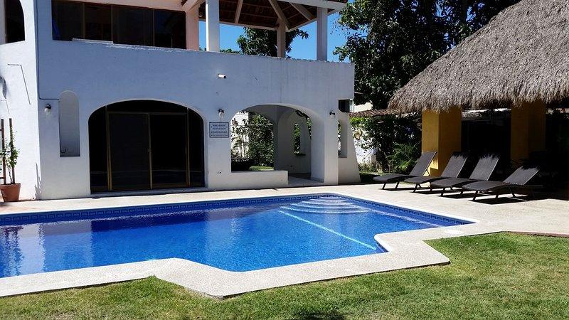 Cozy Private 1 Bedroom Quiet Residential area near Beach, holiday rental in Nuevo Vallarta