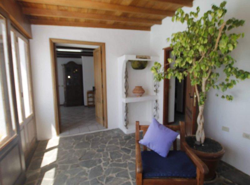 Casa Playa Quemada en primera linea de mar de dos dormitorios y piscina privada, casa vacanza a Femes