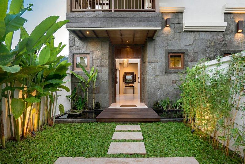 3 Bedroom Private Pool Villa, vacation rental in Ubud