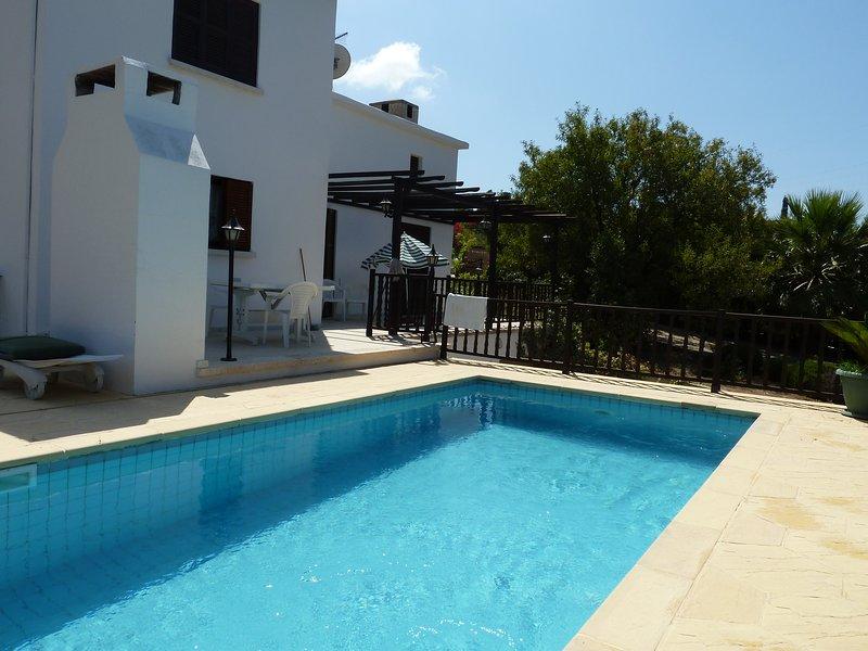 Bellapais Villa with Private Pool, location de vacances à Bellapais
