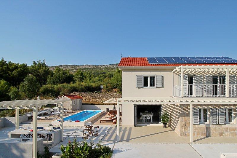 Villa Donari con piscina privata, cucina estiva con barbecue