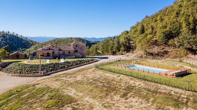 Agriturismo Borgo Macereto (Appartamento Fagiano), alquiler vacacional en Dicomano