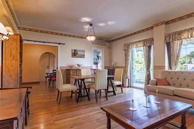 Beautiful 3rd floor flat | Park & train station, vacation rental in Penteli