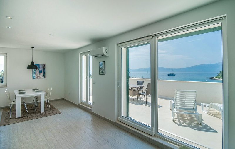 Beautiful newly built villa in Sucuraj, peaceful part of island Hvar, aluguéis de temporada em Sucuraj