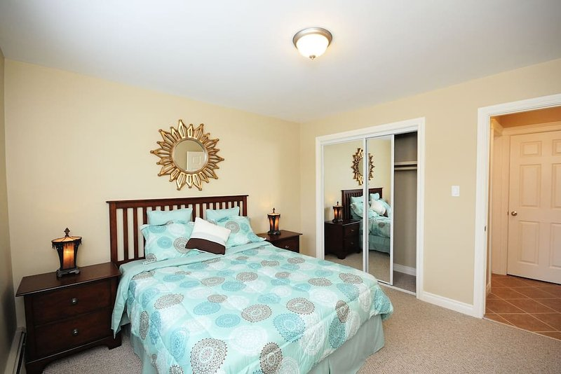 AMAZING 2 Bedroom CONDO - Better than a HOTEL, holiday rental in Spruce Grove