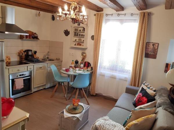 Toscane Ribeauvillé 1 chambre 1 canapé lit 4 personnes accès au SPA gratuit, holiday rental in Ribeauville
