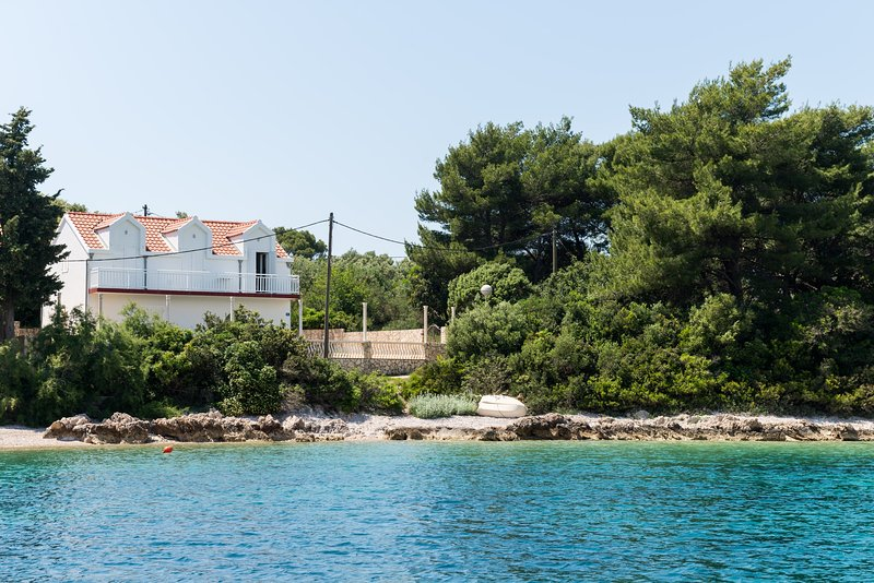 Apartment & Room Maćus - Double Room with Shared Balcony and Sea View, vacation rental in Kolocep Island