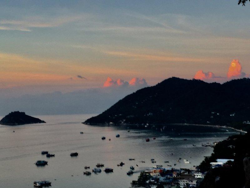Villa med fantastisk utsikt, aluguéis de temporada em Koh Tao