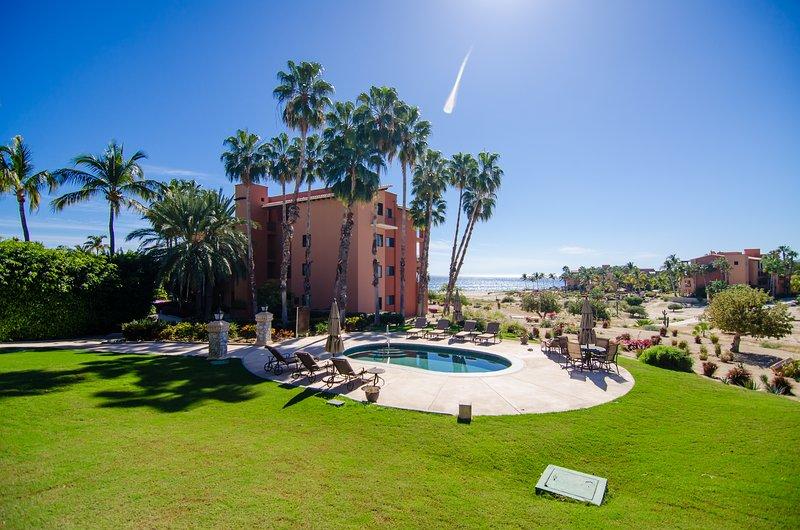 CORAL 101 CASA DEL MAR....Upscale Condo! Fantastic Views of the Sea of Cortez!, holiday rental in El Zacatal