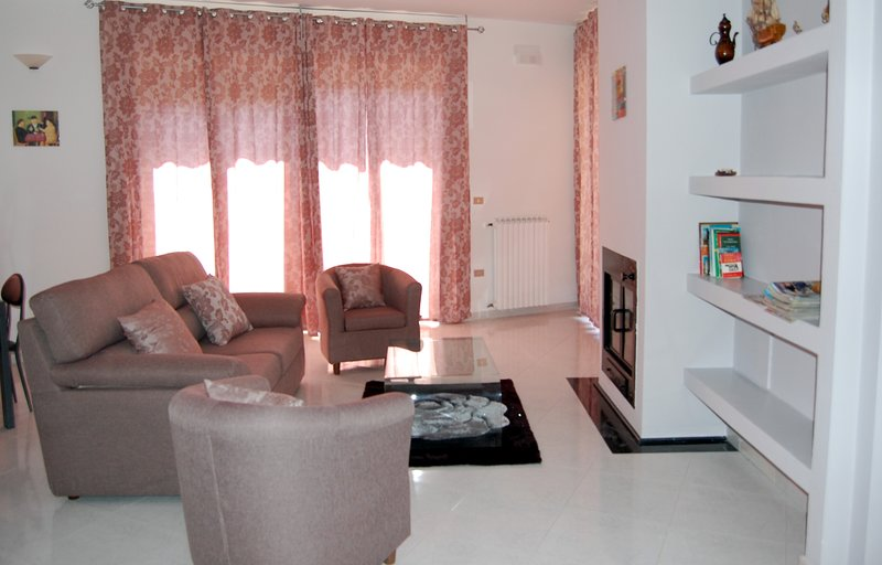 Spacious apartment with balcony, holiday rental in Castelluccio Superiore