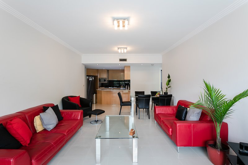 Stylish apt beachfront 6pers. offering lifestyle, holiday rental in North Narrabeen
