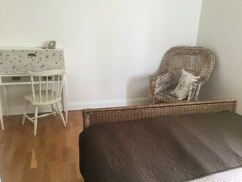New renovated and modern house in a quiet and nice area 20 min by car to city... – semesterbostad i Ösmo