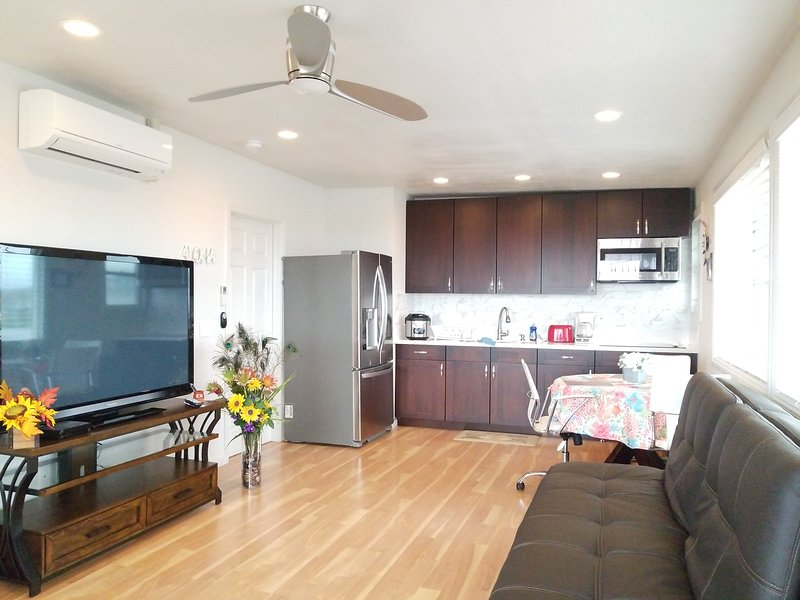 Sunrise oceanview bright spacious private home no share, vacation rental in Waipahu
